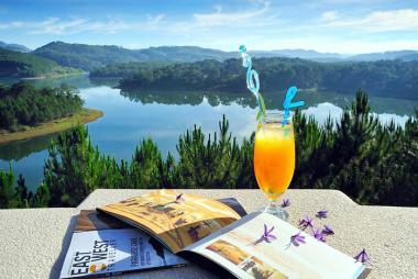 Combo Đà Lạt 3N2Đ - Edensee Lake Resort & Spa 5*+ VMB + Ăn Buffet Sáng