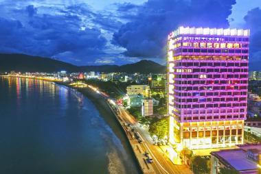 Combo Quy Nhơn 4N3Đ - Hương Việt Hotel 4* + Vé máy bay Bamboo