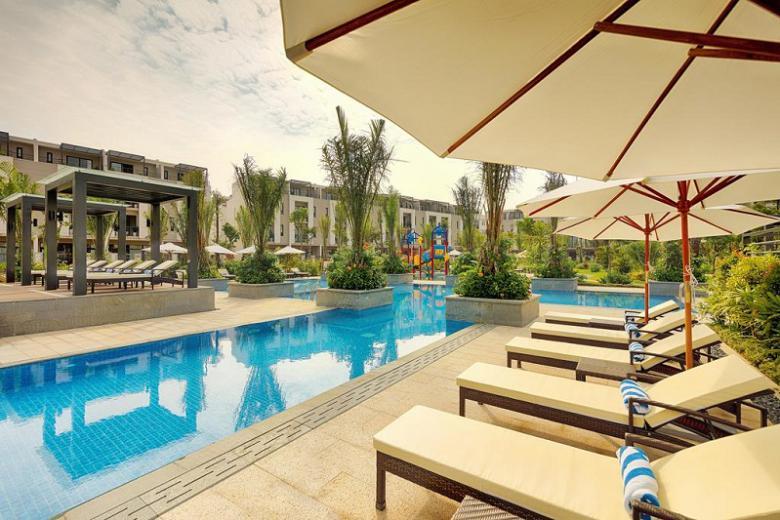 Combo Hạ Long 2N1Đ - Royal Lotus Resort Villas 5* + Xe Limousine