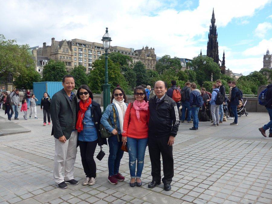 Du khách của Lữ hành Việt - DLVN tại Edinburgh