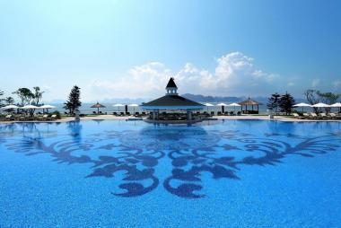 Combo Hạ Long 2N1Đ - Vinpearl Resort & Spa 5* + Xe đưa đón