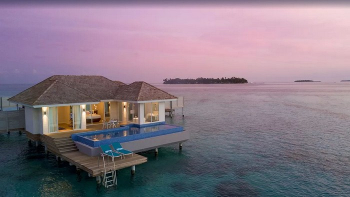 kandima-aldives-honeymoon-aqua-pool