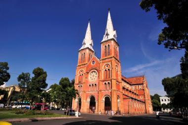 Tour Tham Quan Nội Thành Sài Gòn Kết Hợp Củ Chi 1 Ngày