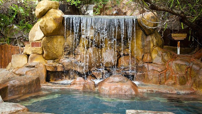 Thư giãn cơ thể dưới làn nước mát lạnh