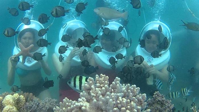 Lặn biển bằng mũ giúp thở thoải mái hơn
