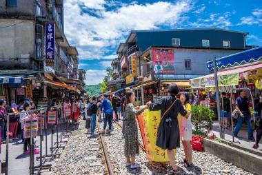 Tour Tham Quan Jiufen, Yehliu, Shifen & Trải Nghiệm Làm Bánh Ngọt Đài Loan 1N