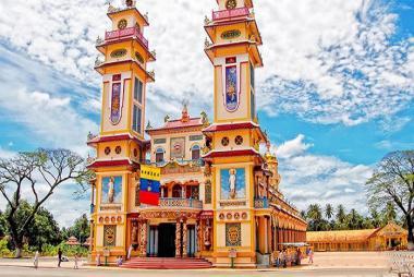 Tham Quan Tòa Thánh Cao Đài Tây Ninh - Địa Đạo Củ Chi 1 Ngày