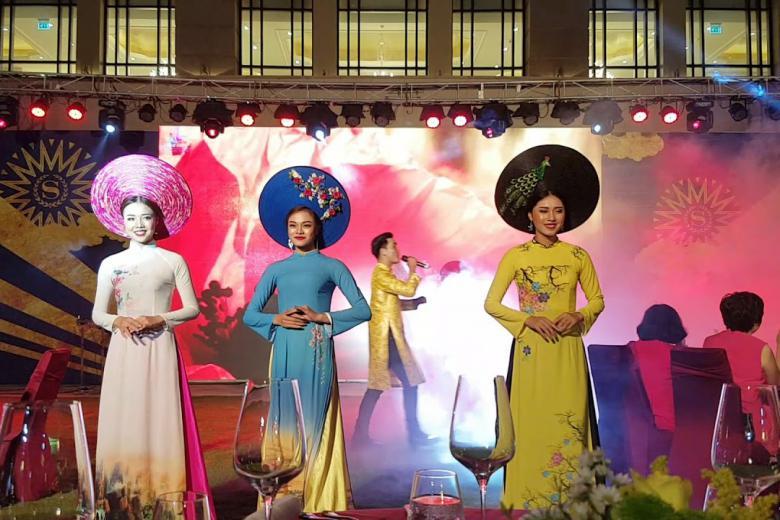 Vé Show Áo dài  - Âm Sắc Hoàng Cung.