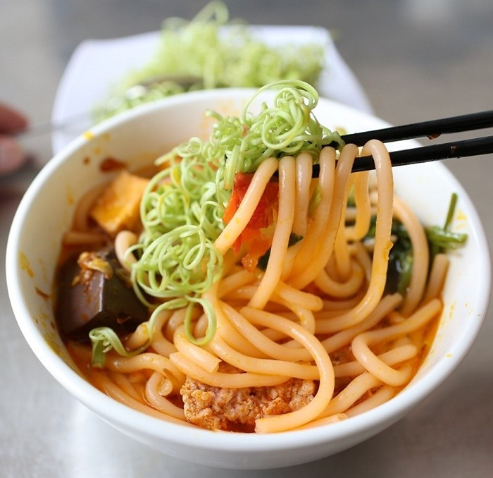 What is special about Kon Tum red noodle?