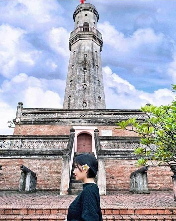 Cột cờ Nam Định - chân đế cột cờ
