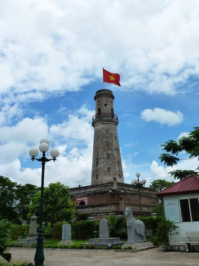 Cột cờ Nam Định - thân cột cờ