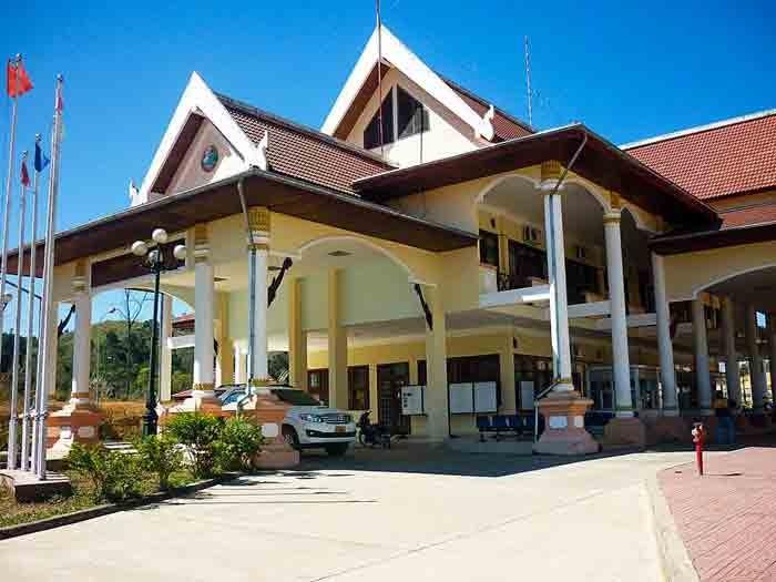 Cửa khẩu Bờ Y - cửa khẩu phía Lào