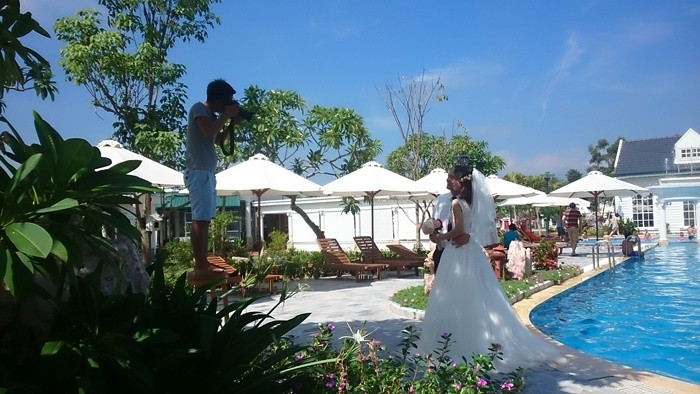 Bach Thuy lotus dress - wedding photography or honeymoon