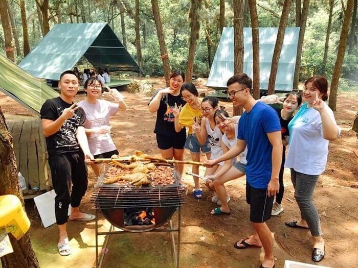 Điểm cắm trại gần Hà Nội - khu du lịch bản Rõm