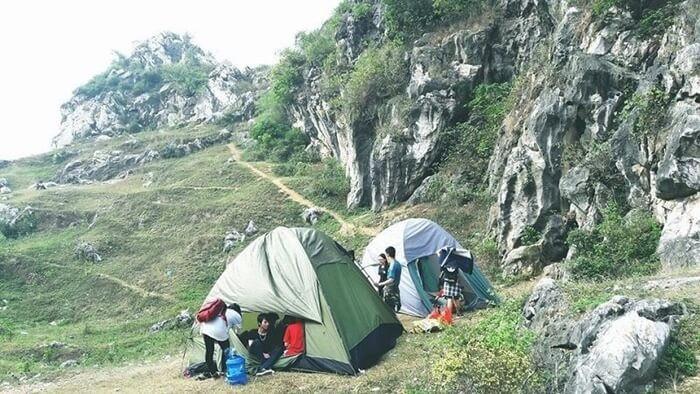 Điểm cắm trại gần Hà Nội - núi Trầm