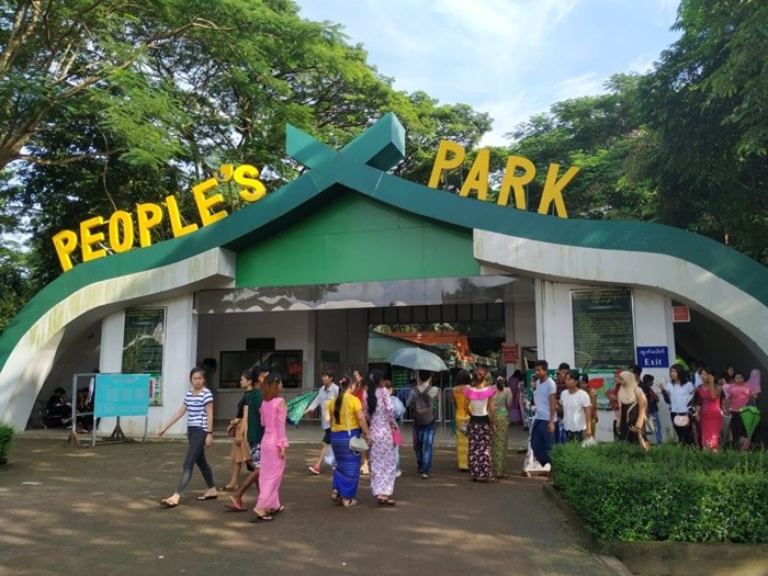 Hồ Inya Myanmar - People's square and park