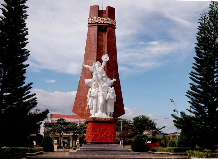 Dak To victory relic - monument