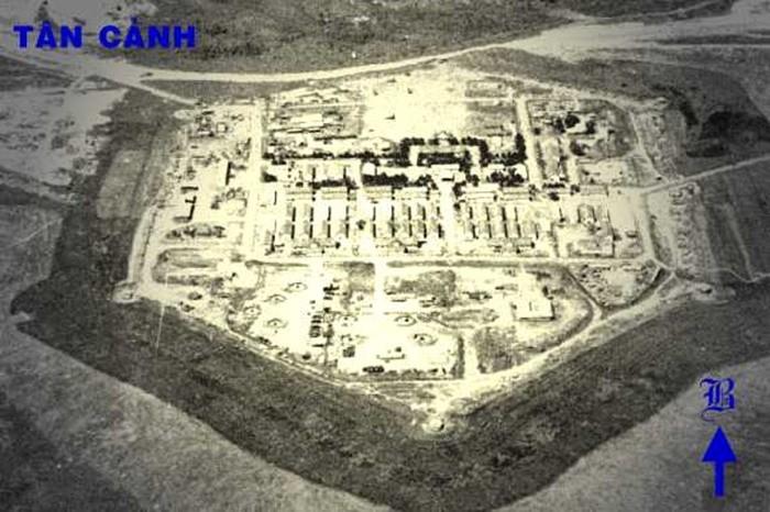 Dak To victory relic area - E42 Tan Canh base