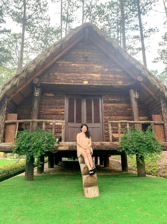 Khu du lịch Đà Lạt Tiên Cảnh - chụp chân cầu thang nhà gỗ