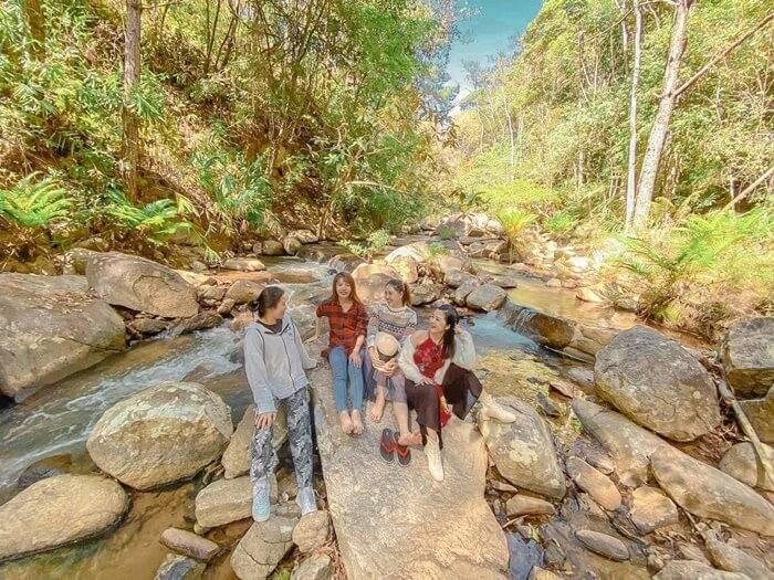 Khu du lịch Đà Lạt Tiên Cảnh - check-in tại con suối