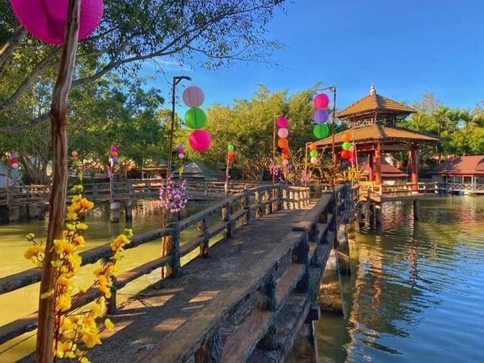 Khu du lịch sinh thái Hoàng Vân - chòi phục vụ ăn uống ra hồ