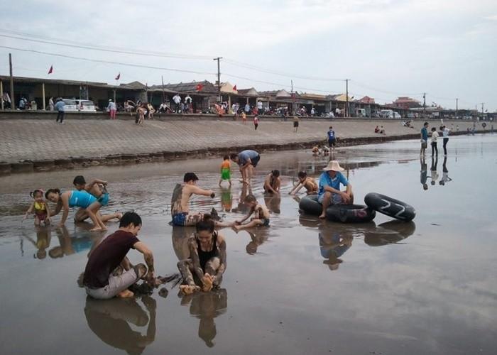 Kinh nghiệm du lịch Giao Thủy - biển Quất Lâm