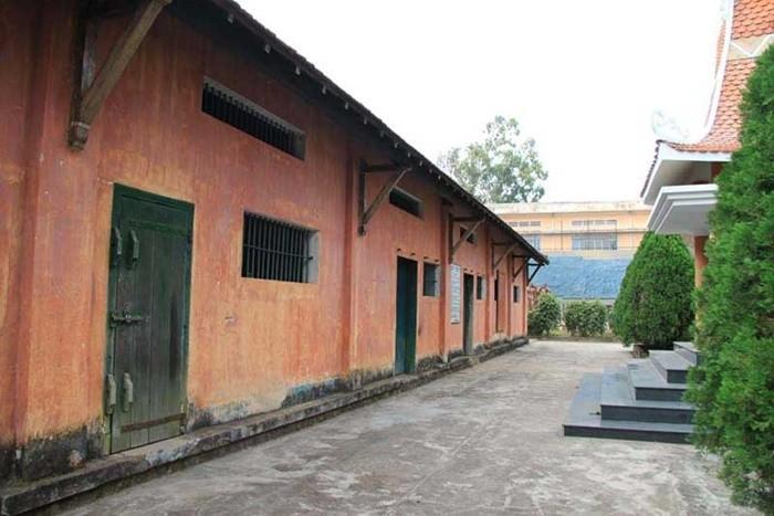 Nhà tù Pleiku - gồm 18 phòng giam