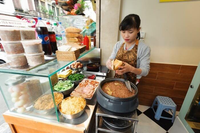 Quán bánh mì ngon ở Hà Nội - bánh mì Bảo Quyên