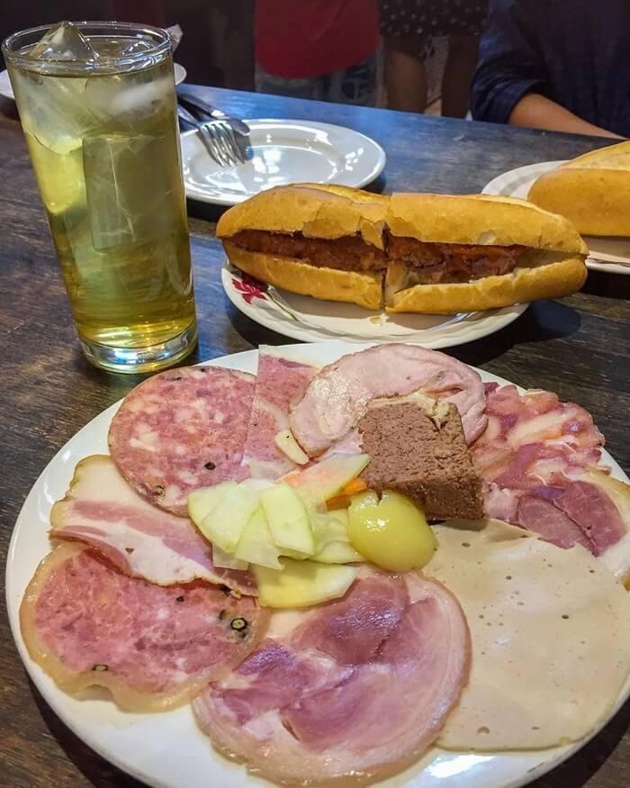 Quán bánh mì ngon ở Hà Nội - Bánh mì Nguyên Sinh