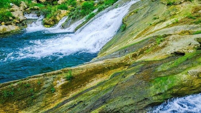 Thác Nàng Tiên - tầng 1 là hồ nước xanh lịm