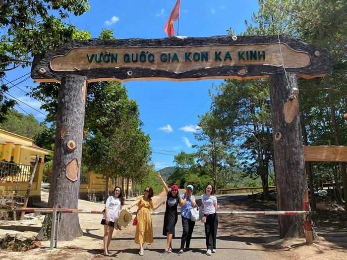 Cùng hội bạn thân làm chuyến 'du hí' vườn quốc gia Kon Ka Kinh, Gia Lai