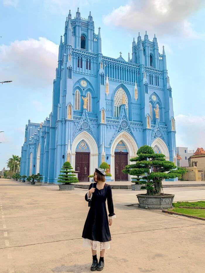 Thời gian đẹp nhất để đến tham quan vương cung thánh đường Phú Nhai?