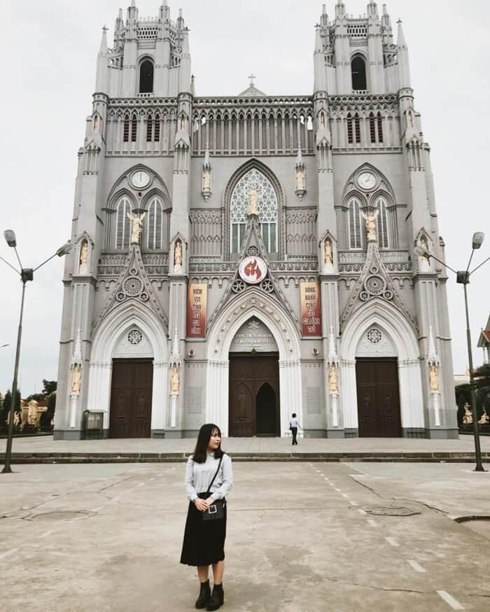 Di chuyển đến vương cung thánh đường Phú Nhai như thế nào?