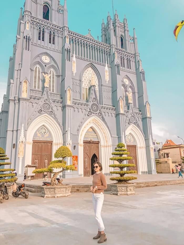 Vương cung thánh đường Phú Nhai - tháp chuông