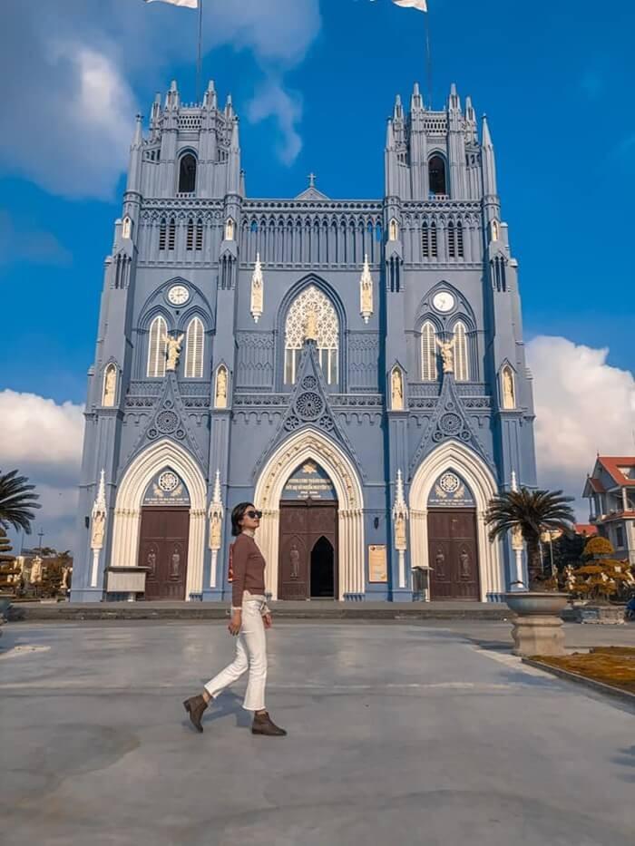 Vương cung thánh đường Phú Nhai - góc check in đẹp tựa trời Âu