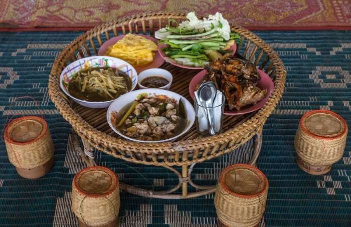 Discover the features of Lao cuisine