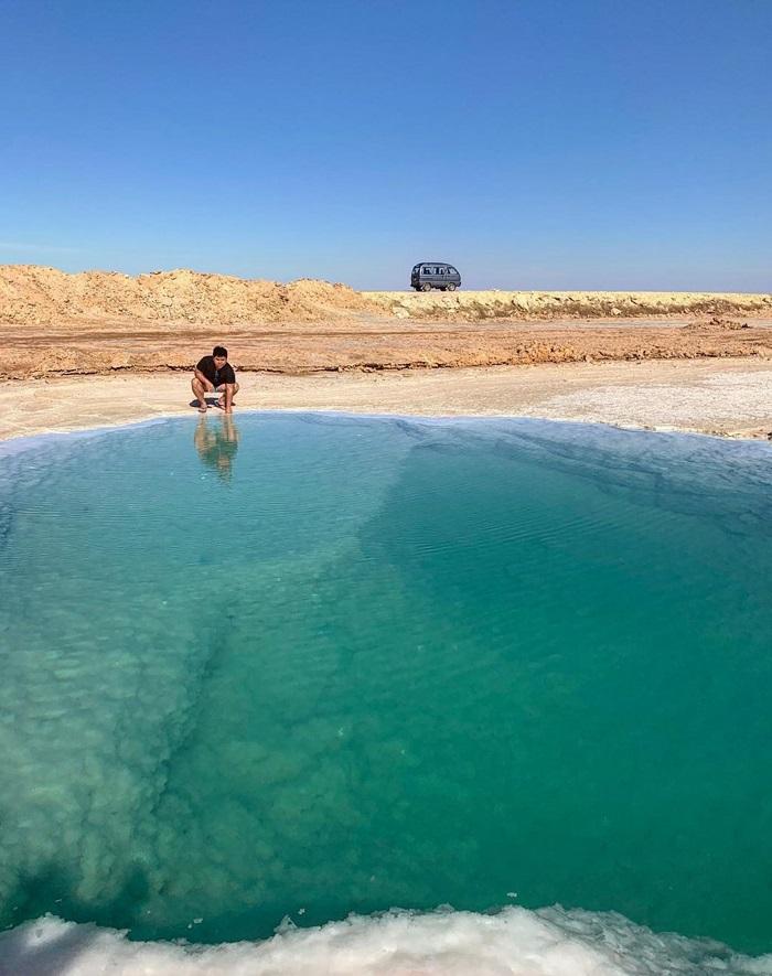 Hồ muối ở Ai Cập dành cho những người không biết bơi