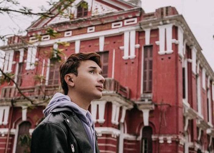 Tham quan Quốc học Huế, chiêm ngưỡng vẻ đẹp của ngôi trường cổ kính qua 4 mùa