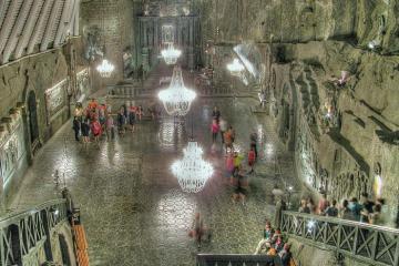 Cận cảnh vẻ đẹp của di sản dưới lòng đất - cung điện muối Ba Lan