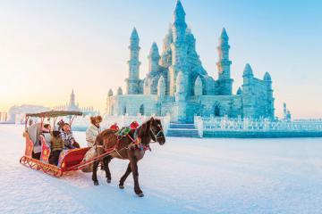 Du lịch Trung Quốc mùa xuân tham gia Lễ hội băng đăng lớn nhất thế giới!