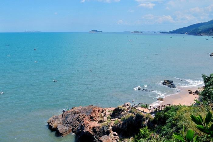 Tourist destination near Da Egg beach - Tien Sa beach