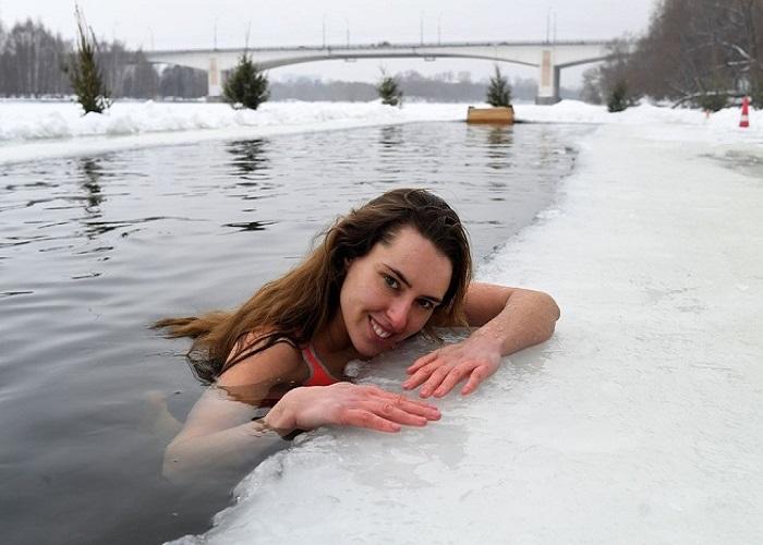 Bơi mùa đông ở Nga hoạt động truyền thống thú vị