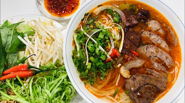 Bun Bo Hue is a delicious dish in Hue that is loved by many domestic and foreign tourists