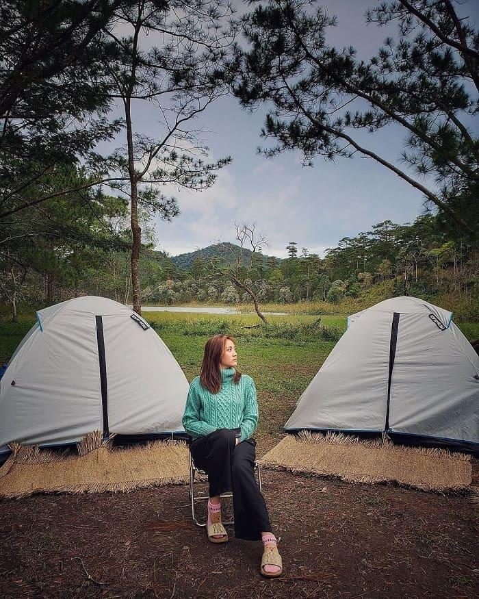 camping in Da Lat - admiring the scenery of Tuyen Lam Lake