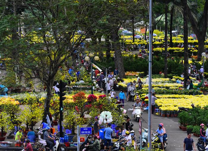 Chợ hoa Tết ở Sài Gòn - chợ hoa công viên 23/9