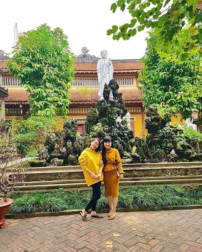 cool green space - the impression of Pho Chieu pagoda