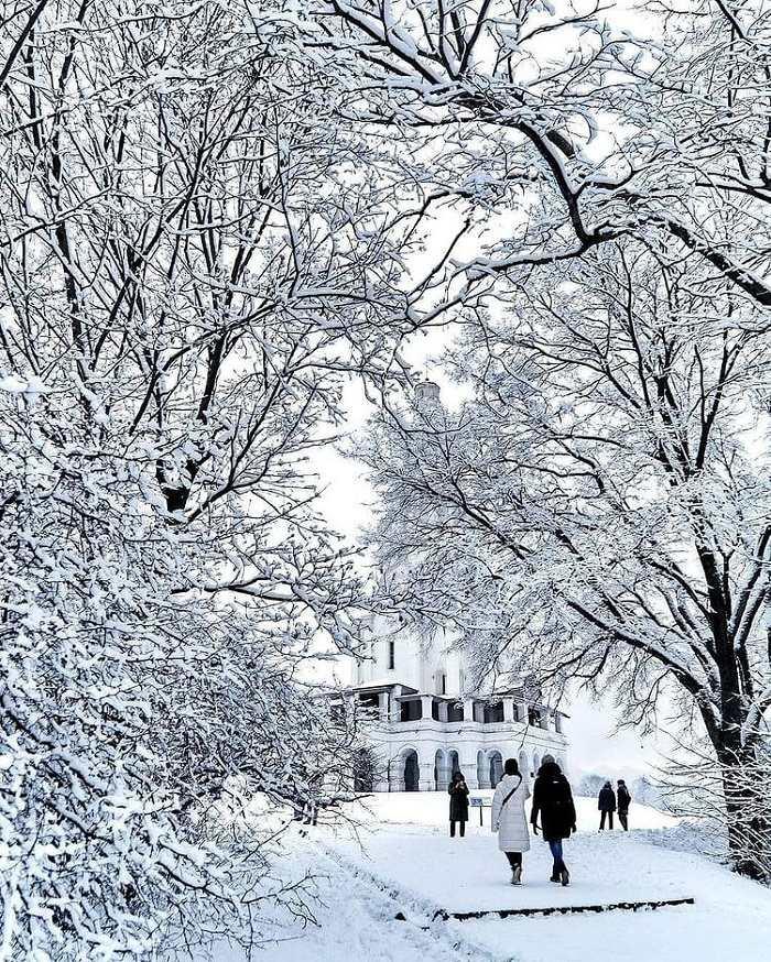 Công viên Kolomenskoye chụp ảnh mùa đông đẹp ở Nga