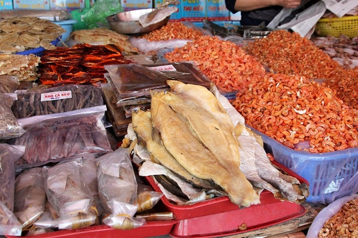 Phu Yen specialties bought as gifts - dried seafood