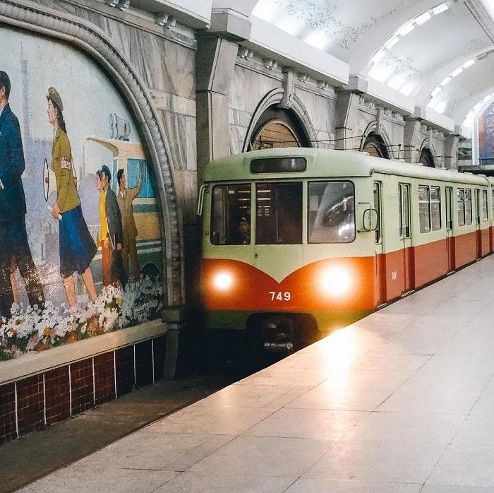 đầu máy - thiết bị quan trọng trong tàu điện ngầm Bình Nhưỡng