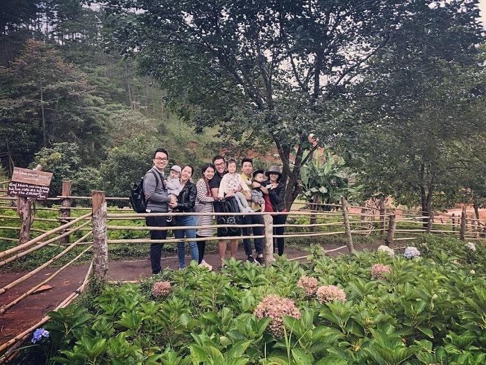 địa điểm du lịch Đà Lạt cho gia đình - thăm thú làng Cù Lần